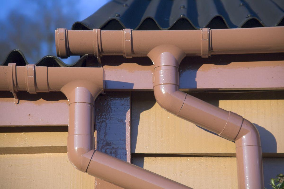 Zorganizuj prawidłowe odprowadzenie wody deszczowej z posesji