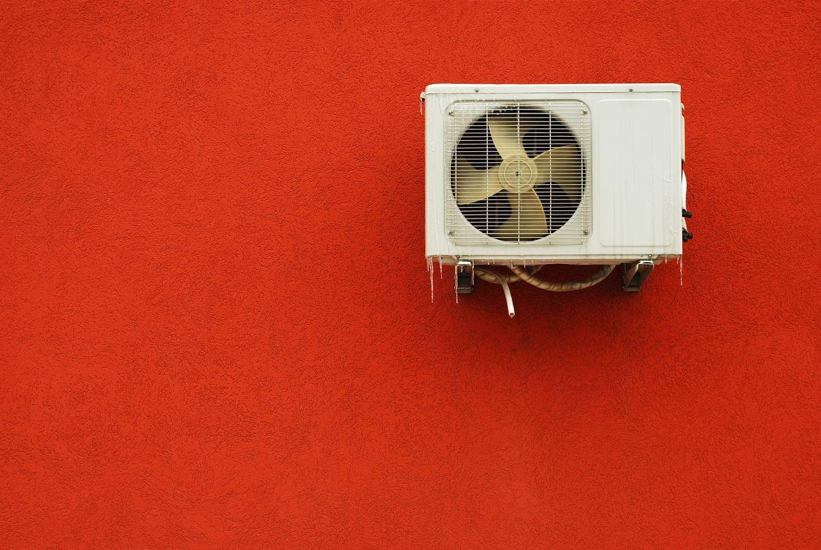 Zagrzybiona klimatyzacja – co zrobić?